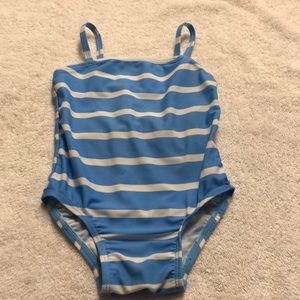 Adorable bow back bathing suit.